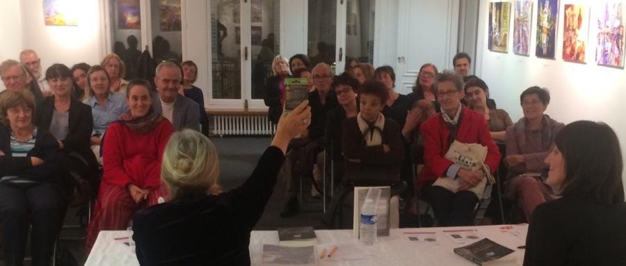 Cinq Zinnias á Paris : Club LittéraireUkrainien