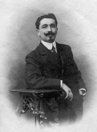 A 1913 Victor D. jeune médecin