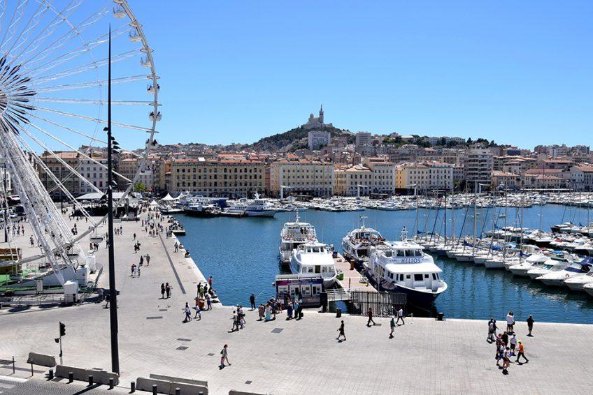 À Marseille, devant le Cercle Littéraire d'ElisabethDarleguy